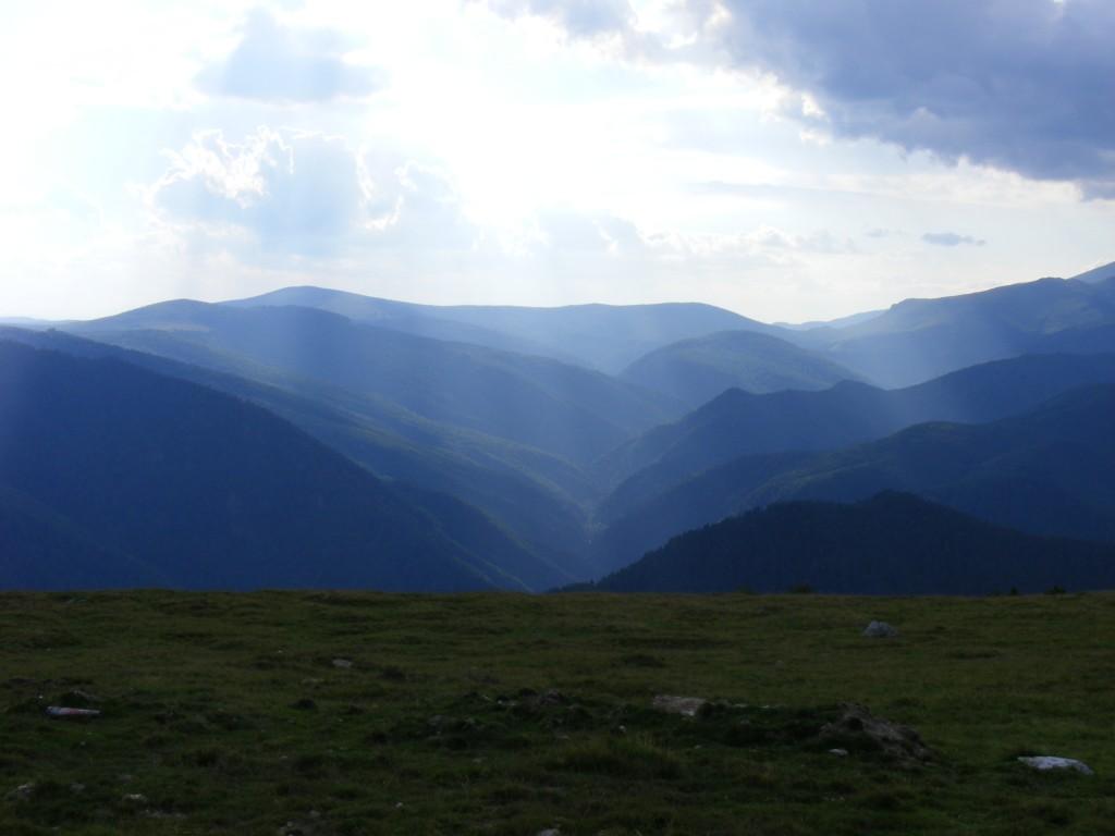Панорамна гледка Карпатите
