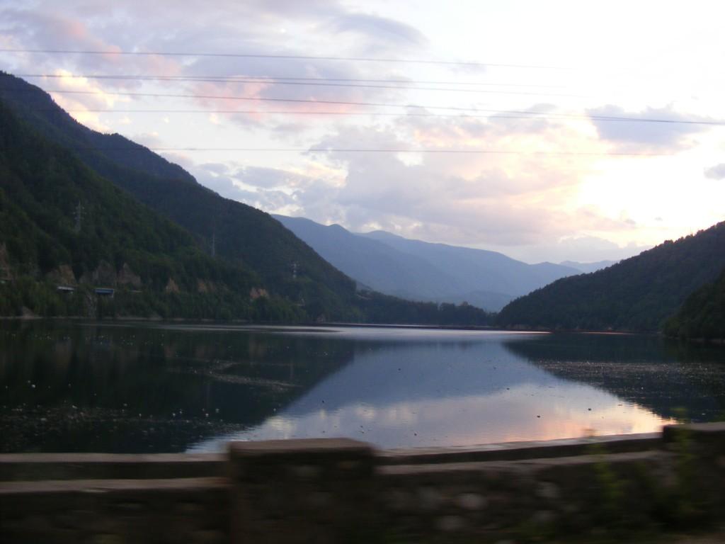 Езеро в Карпатите