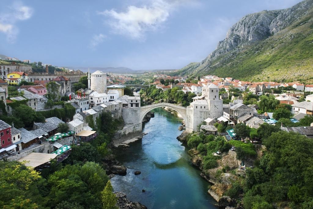 Старият мост над река Неретва, Мостар, Босна и Херцеговина