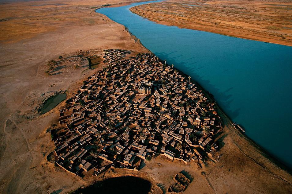 Село край река Нигер, Мали