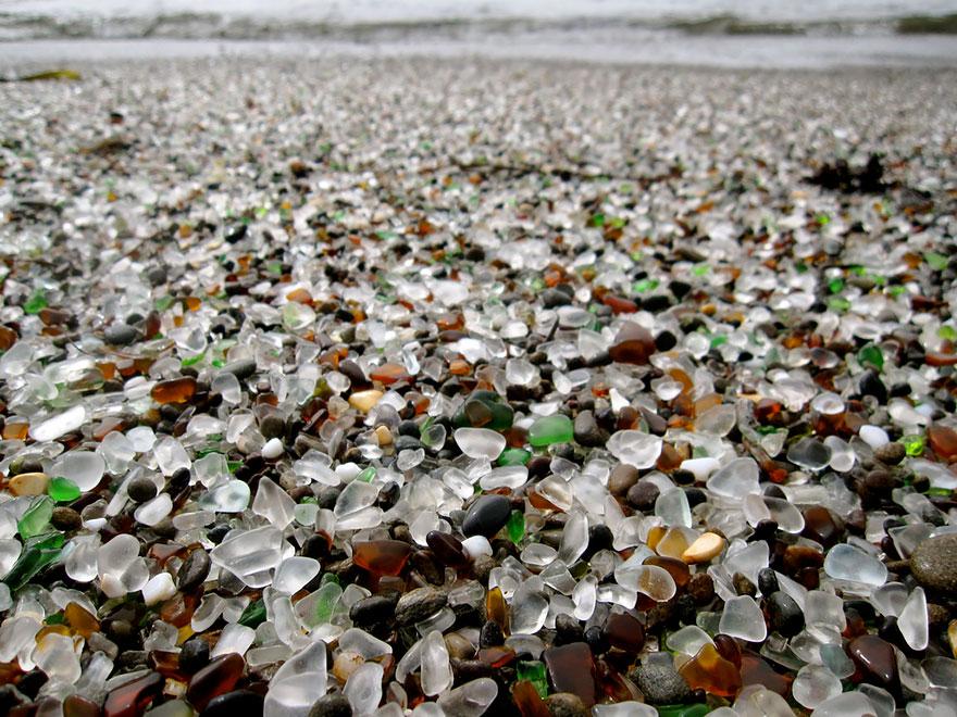 1.Уникалният стъклен плаж в Калифорния